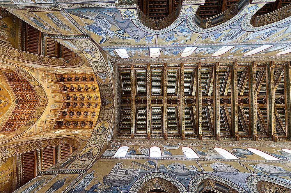 Het plafond van de kathedraal