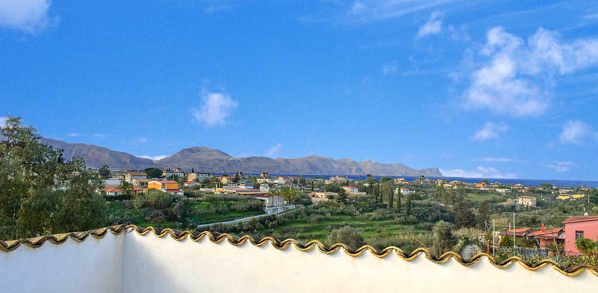 Uitzicht vanaf het dakterras van Casa Ficurinia