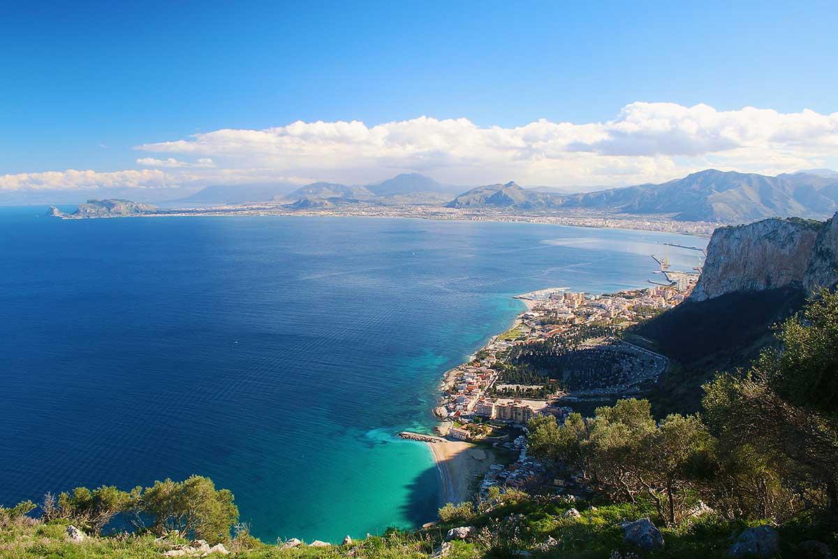 Het uitzicht vanaf de oostkant van Monte Pellegrino