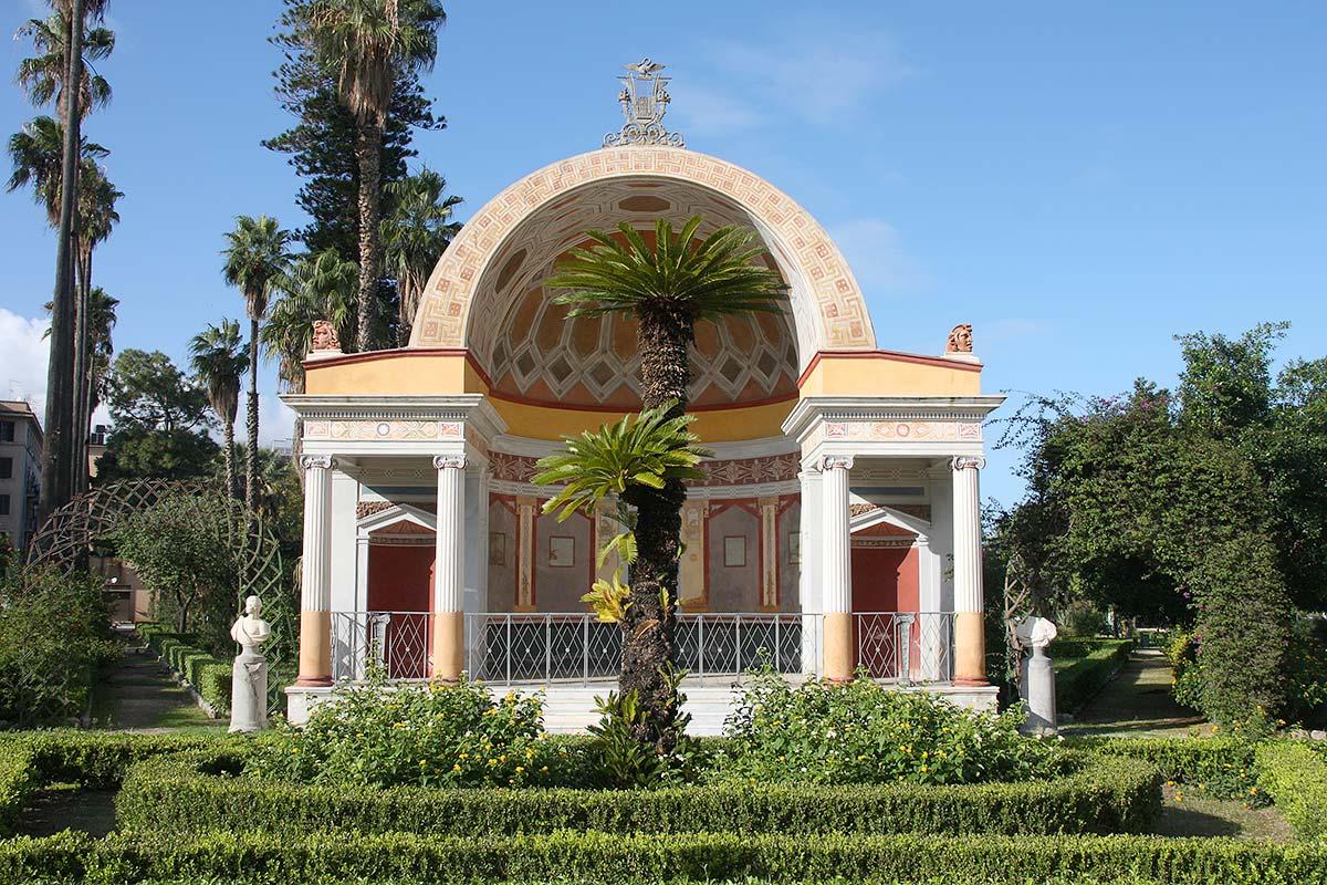 Een van de vier nissen in Villa Giulia
