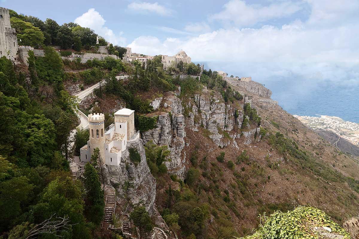 De onlangs gerestaureerde Torretta Pepoli