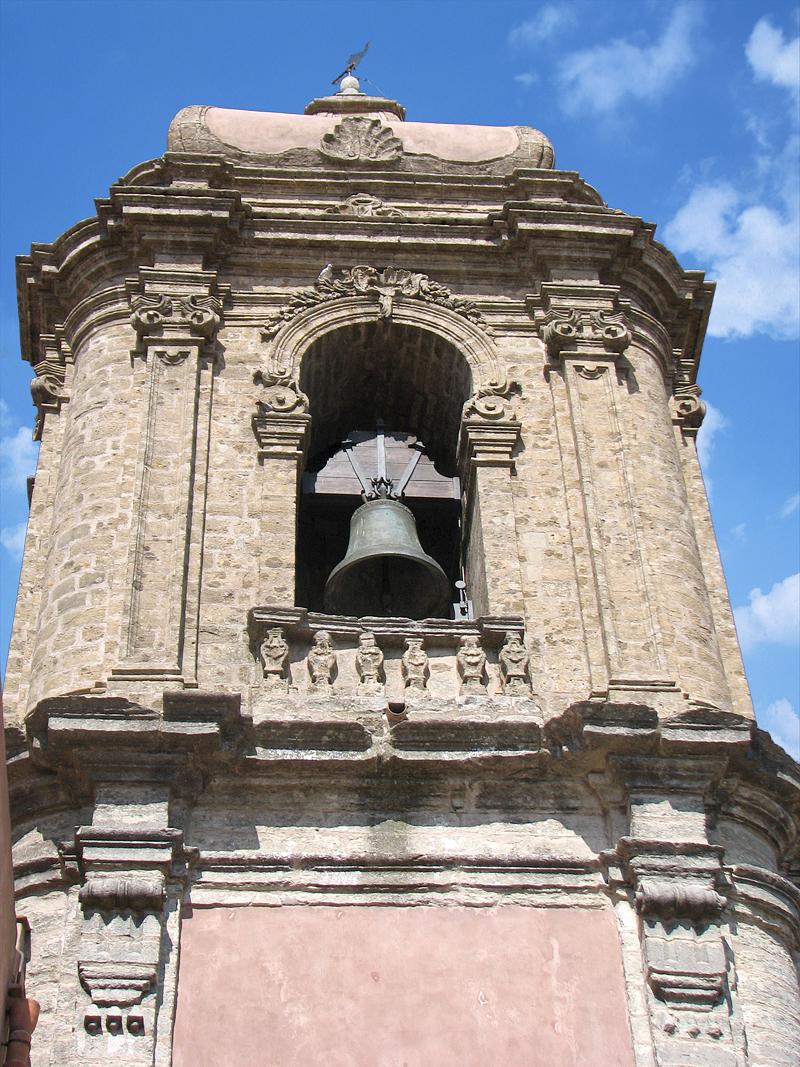 Een detail van de 18e eeuwse klokkentoren