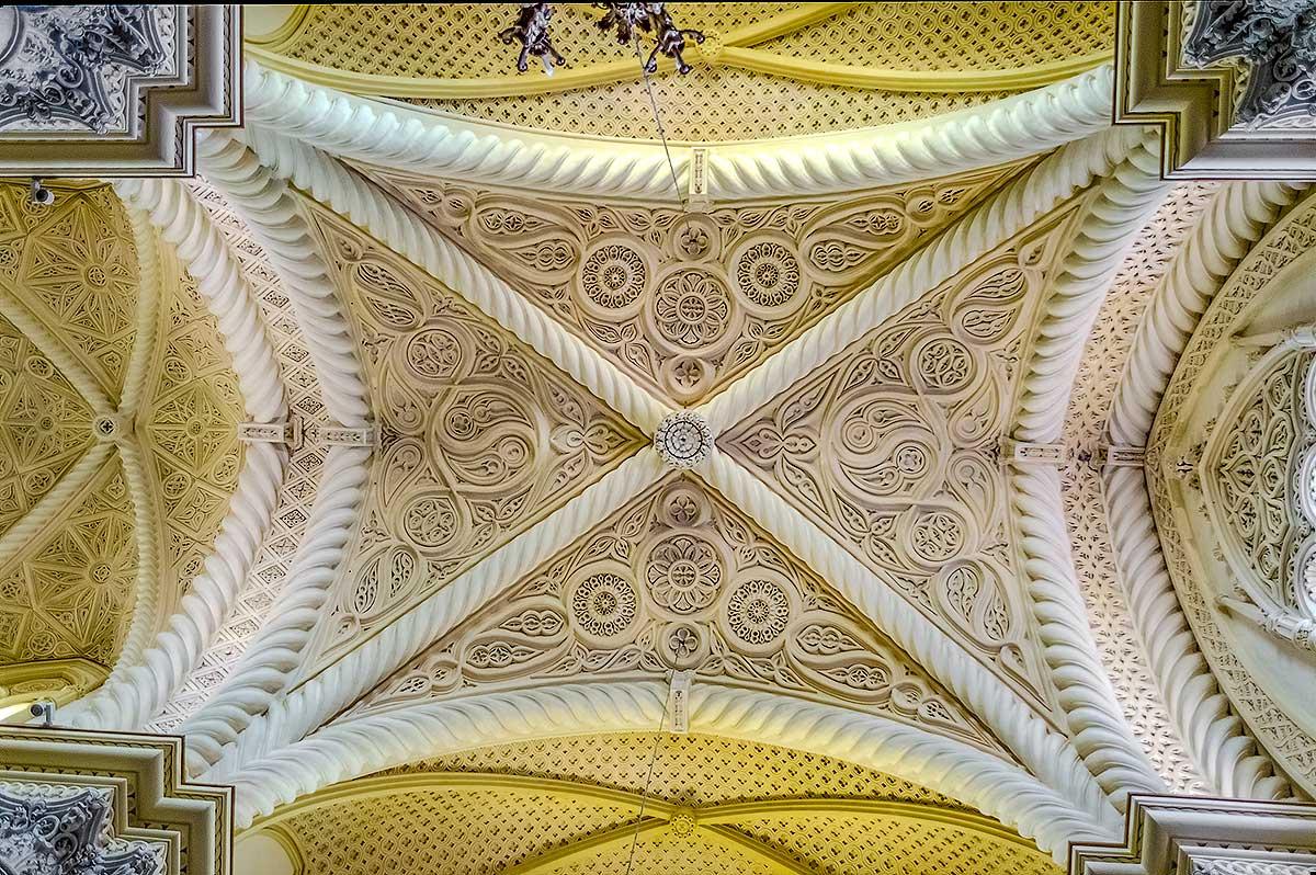In de kathedraal van Erice