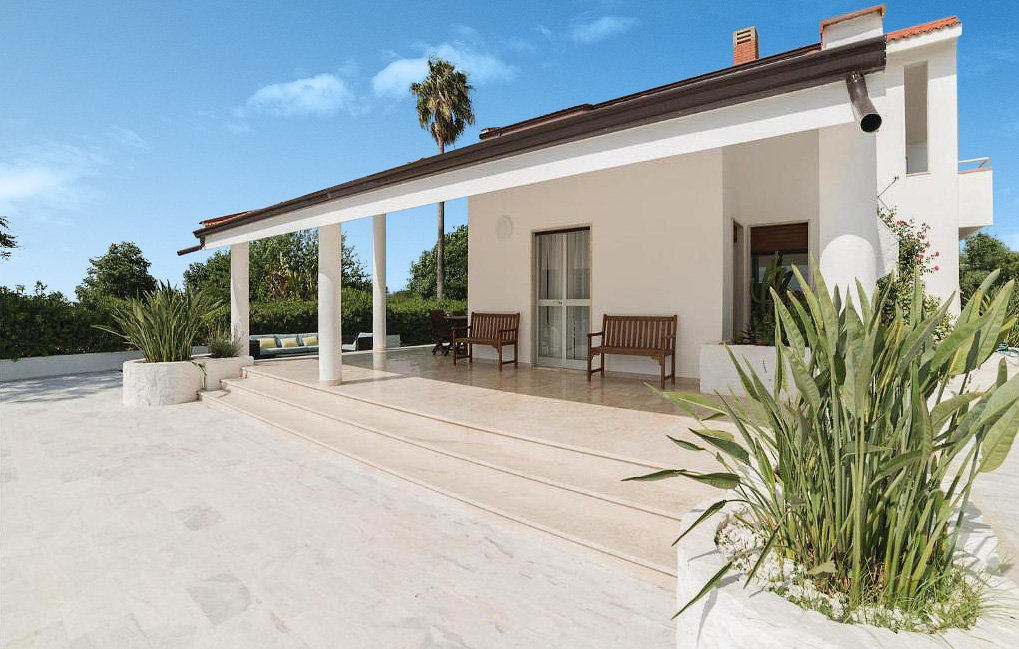 De veranda van Villa Liccumia