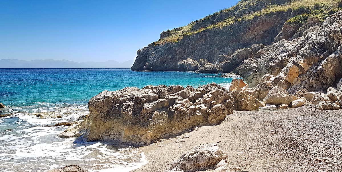 Op het strandje van de Cala Capreria