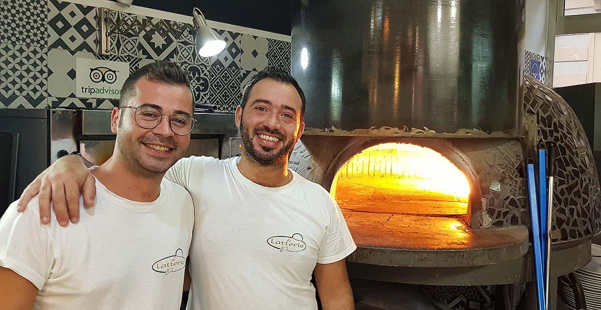 Francesco (r) en Nino van Pizzeria Disìu in Balestrate