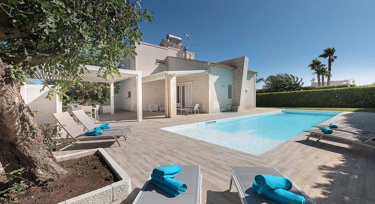 Het zwembad van Villa Gabriel