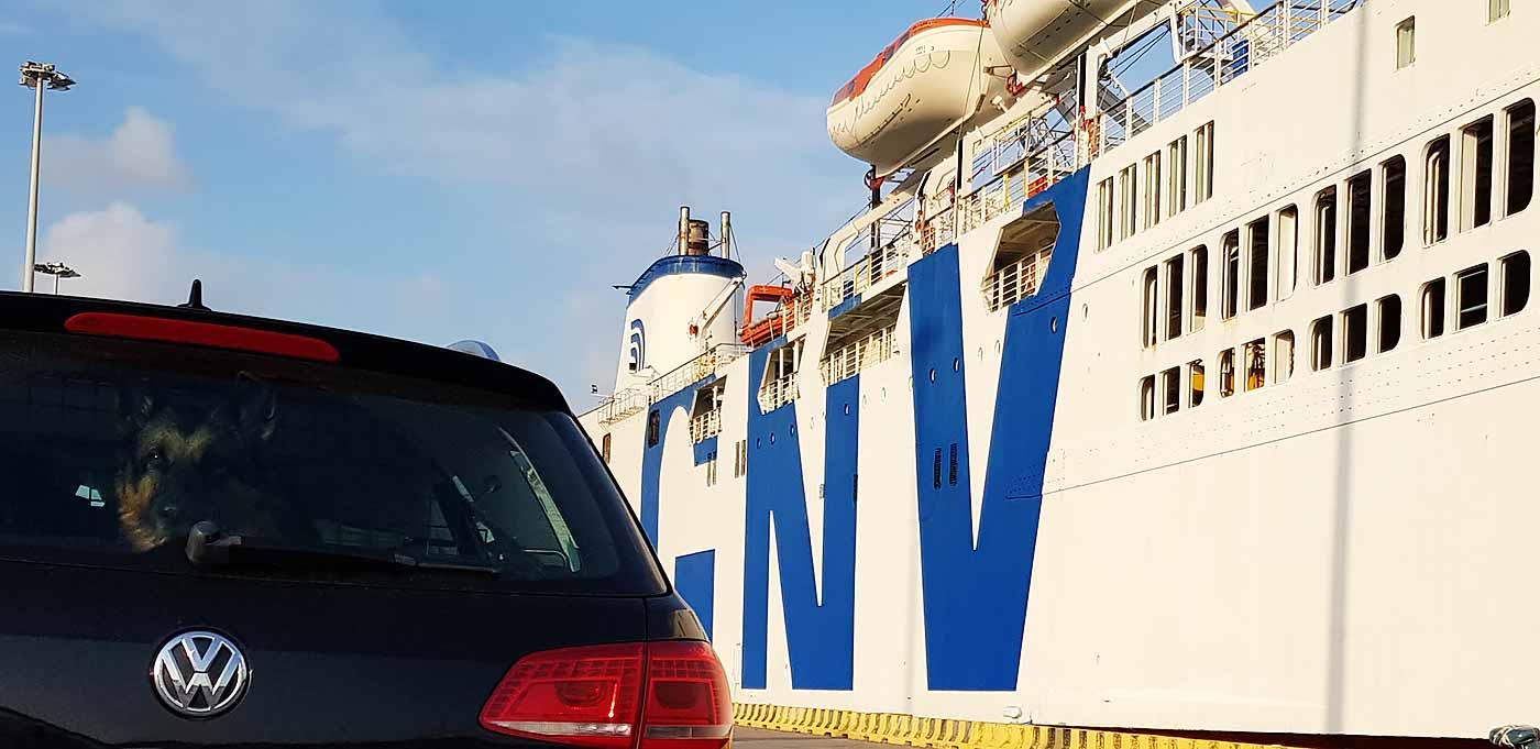De ferry in de haven van Civitavecchia